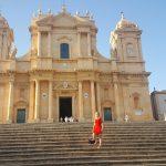 Anniek nella cattedrale di Noto