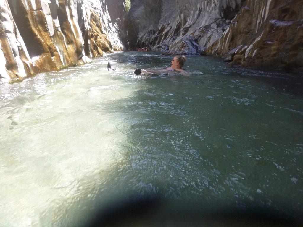Acqua nelle gole Alcantara