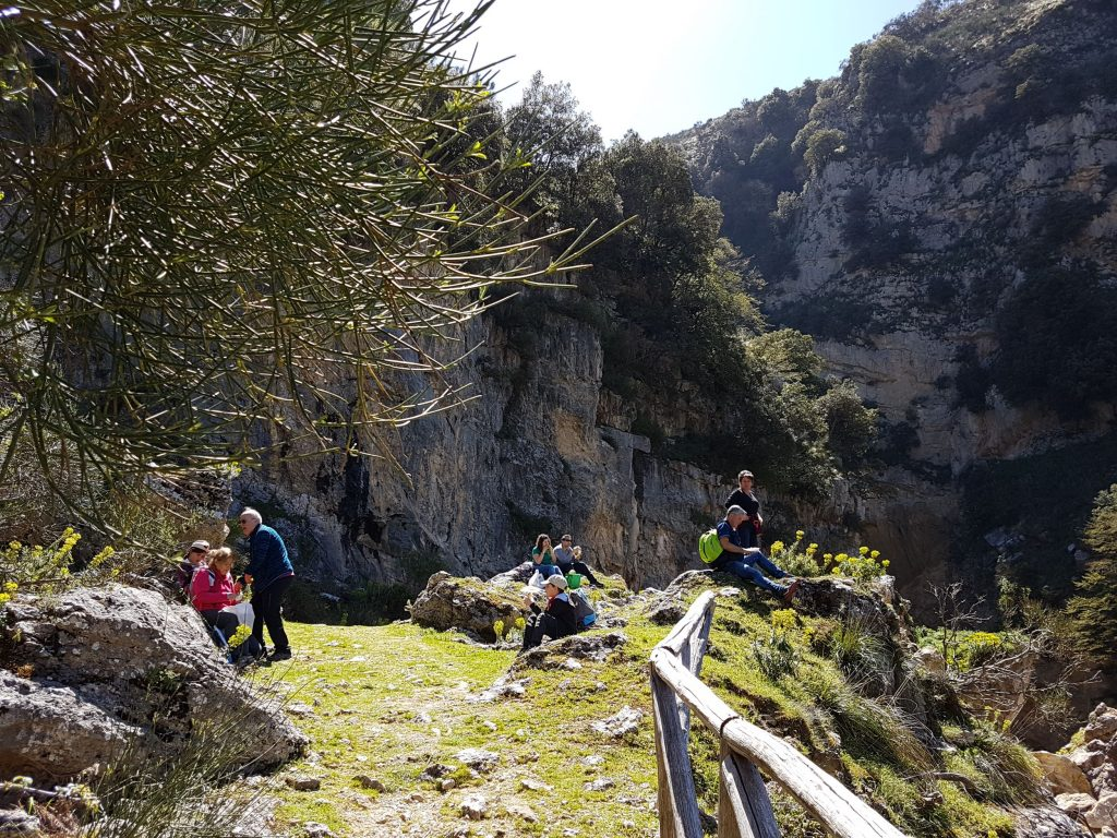 Picknicken bij de waterval van Catafurco