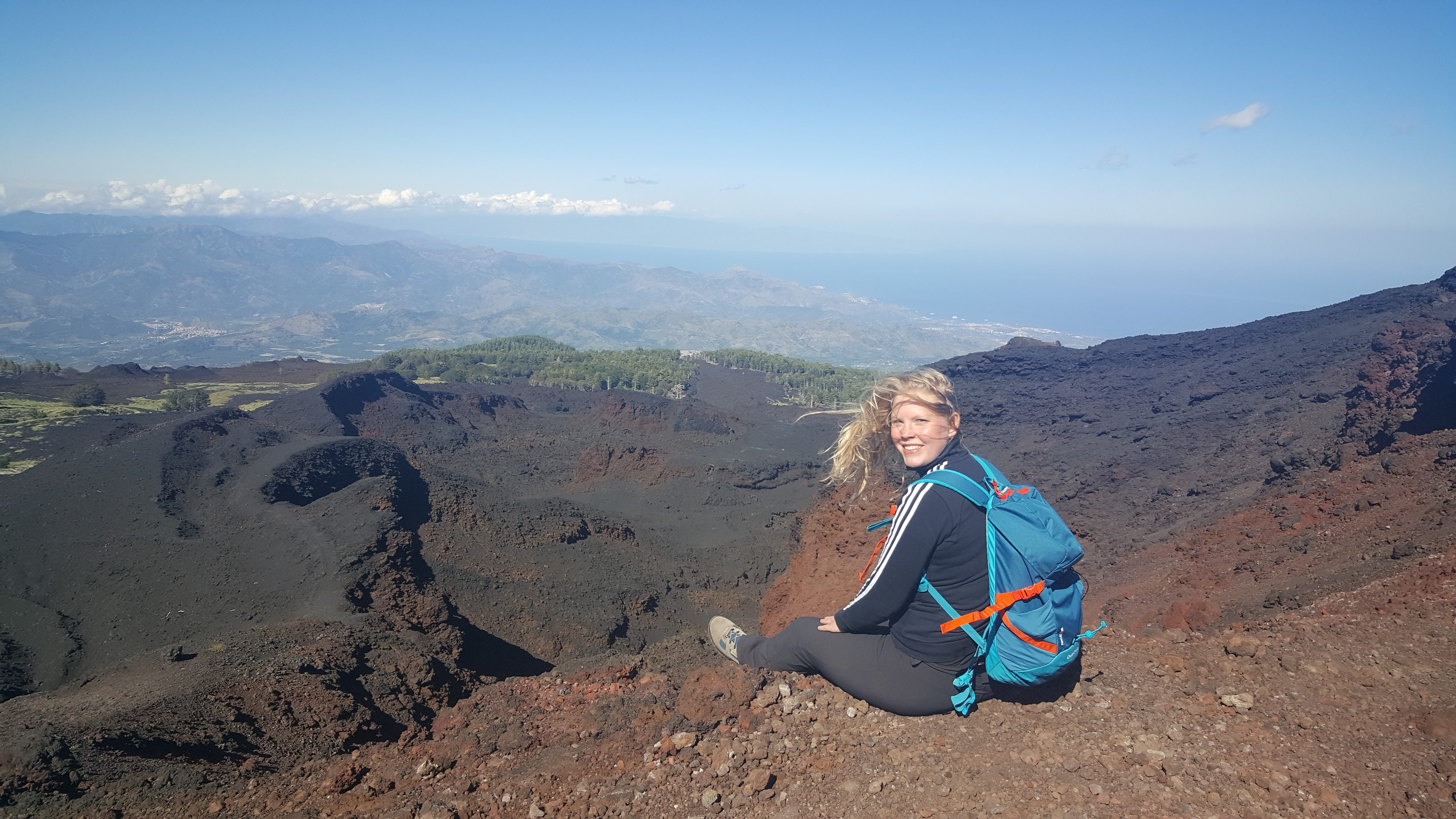 Anniek bij de Etna kraters van 2002