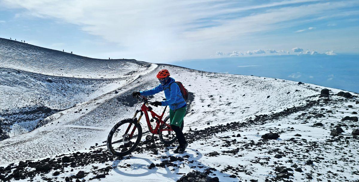Cratere Barbagallo bicicletta 2900 metri