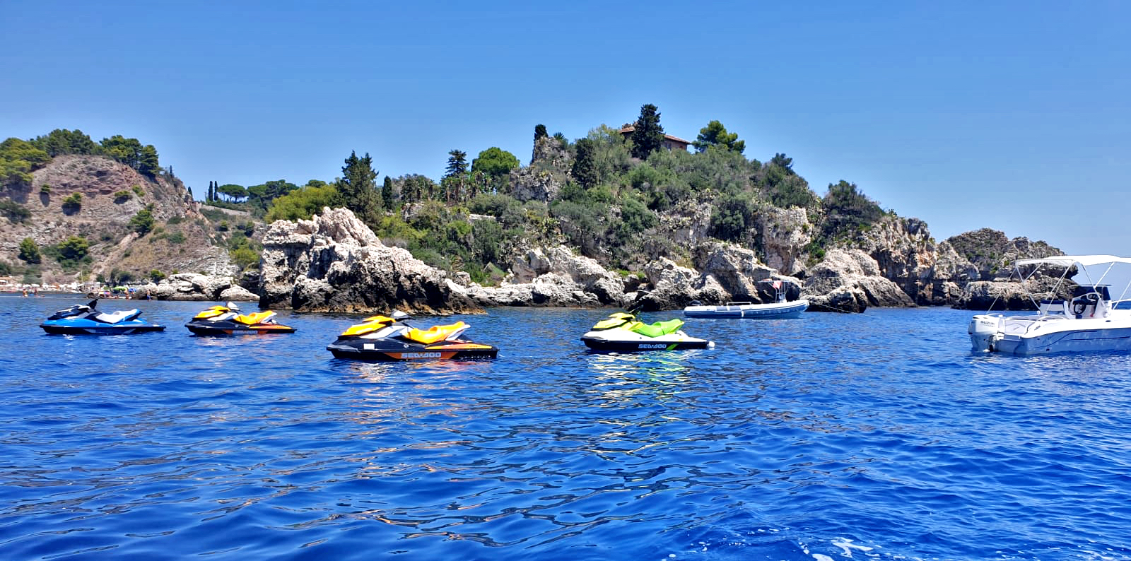 Noleggio moto d'acqua e barca - Taormina