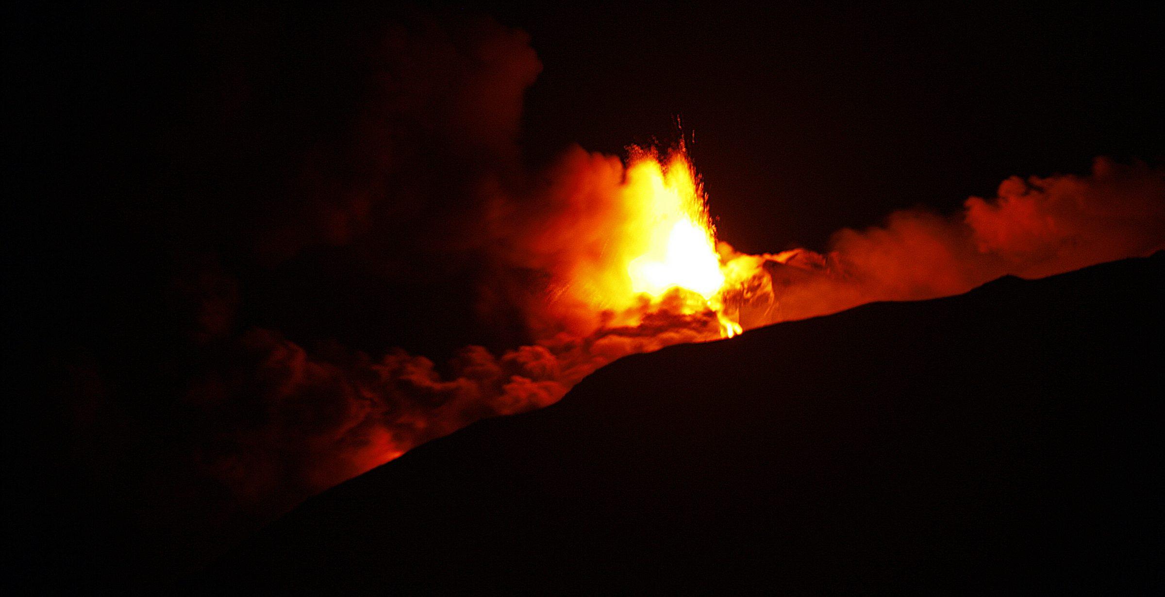 Eruzione vulcano Etna 18 gennaio 2021