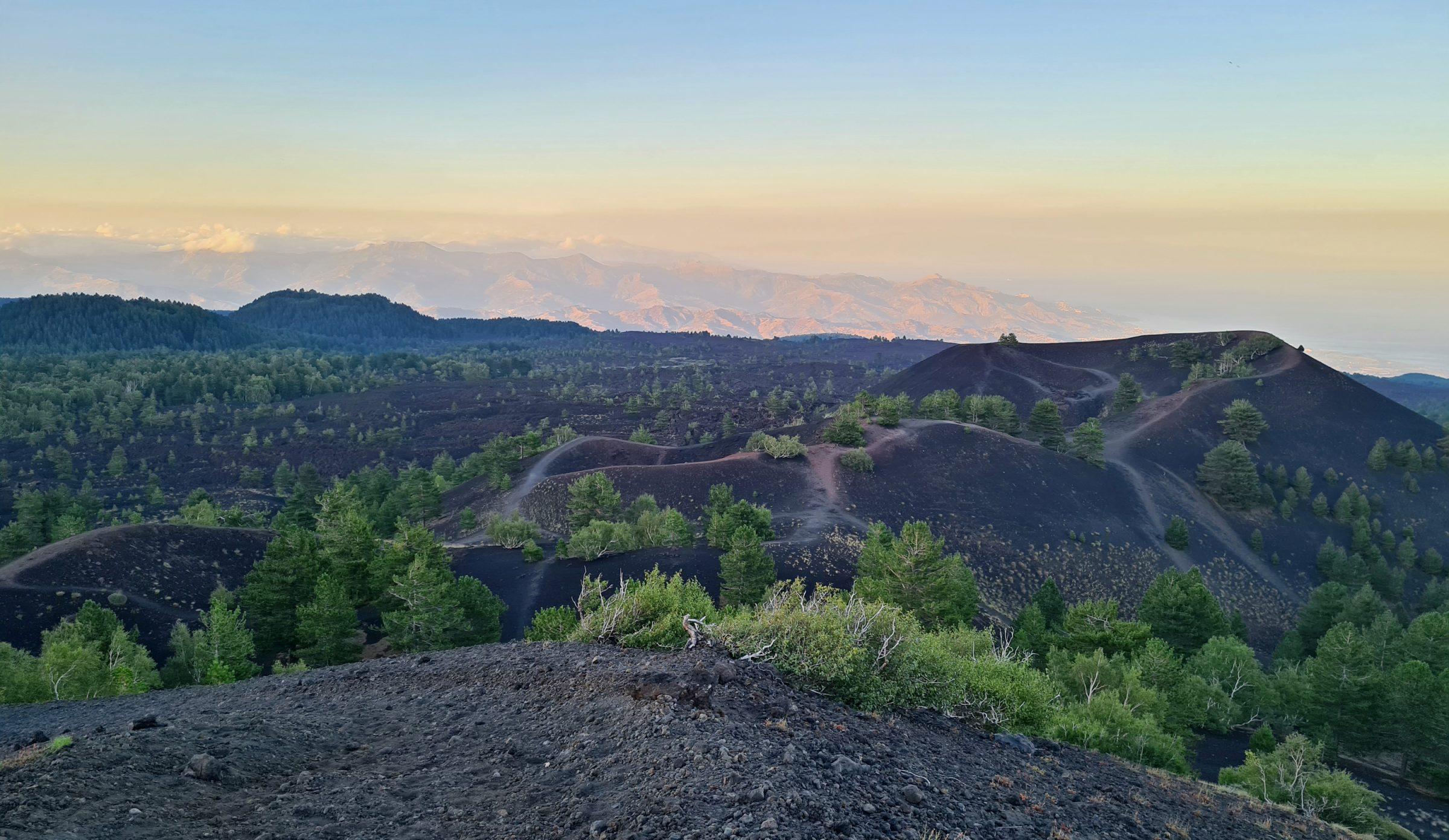 tramonto monti sartorius etna